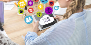 How to Use Social Media to Help with Academics